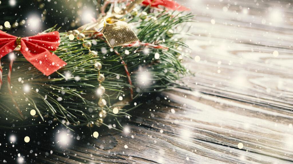 christmas-wreath-essential-oil